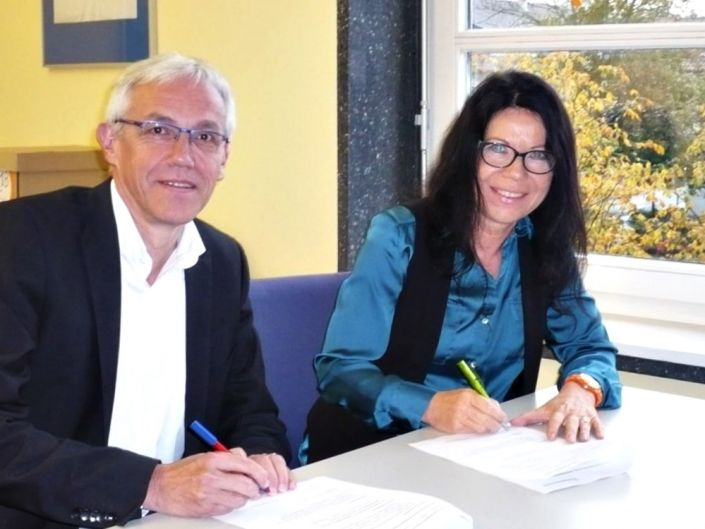 Rudibert Glowka, TCA 1. Vorstand und Rektorin Regina Berg